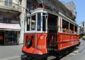 Istanbul Turkey Red Trolley — Stock Photo