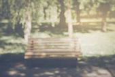 Blurred Park Bench with Nature Background — Stock Photo