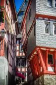 A narrow steep alley in Limburg an der Lahn, Germany — Stock Photo