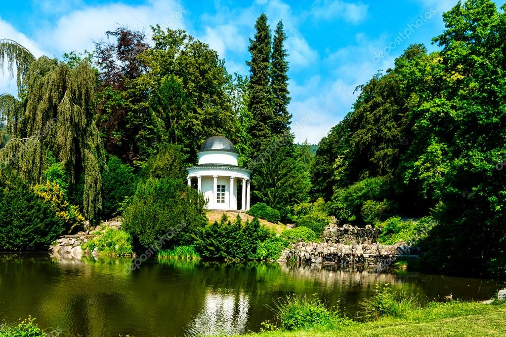 Фотообои Small lake in the castle garden of Kassel, Germany