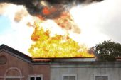 House on Fire — Stock Photo