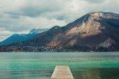 Pier on the mountain lake — Stock Photo