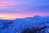 日の出の山の風景 — ストック写真