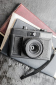 Diário e câmera retro — Fotografia Stock