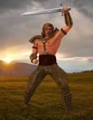 Fier guerrier avec grande épée — Photo