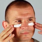 Crème pour le visage pour les hommes — Photo