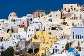 ギリシャ、サントリーニ島-10 月 3 日: 海と村イアに平面図です。O — ストック写真