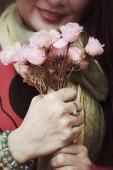 женщина с розами — Стоковое фото