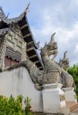 Naga statue at Wat Chedi Luang temple in Chiang Mai, Thailand  — Foto Stock