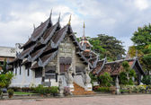 Ancient wooden monastery at Wat Chedi Luang temple in Chiang Mai — Photo