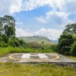 helikopter landing pad op de berg — Stockfoto #71803243