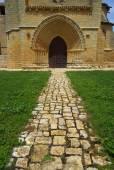 Grijalba church path — Stock Photo