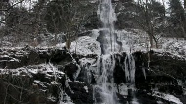 Waterfall Romkerhalle in Winter — Stock Video