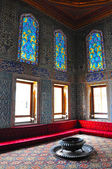 Istanbul, Turkey - November 22, 2014: The chamber in the harem on the territory of Topkapi Palace, that was the primary residence — Stock Photo