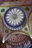 Istanbul, Turkey - November 22, 2014: The paintings inside the Sultan Ahmed Mosque (popularly known as the Blue Mosque) — Stock Photo