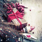 Christmas decoration ,present gift box — Stock Photo