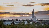 Hallgrimskirkja Church at sunset in Reykjavik, Iceland — Stock Photo