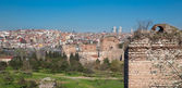 City walls of Istanbul, Theodosius wall against residential district — Stock Photo