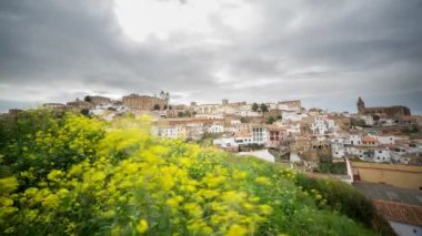 Caceres city under cloudy sky — Stock Video