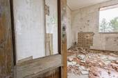 Abandoned and ruined room — Stock Photo