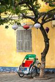 Cykl Riksza w starożytnego miasta Hoi, Wietnam — Zdjęcie stockowe