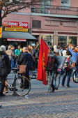 FRANKFURT, GERMANY - MARCH 18, 2015: Crowds of protesters, Demon — Photo