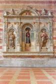 PADUA, ITALY - SEPTEMBER 9, 2014: The tomb of Jacopo da Carrara by venetian sculptor Andriolo de Santi (14. cent.) in the church of The Eremitani (Chiesa degli Eremitani). — Stockfoto