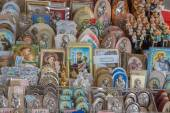 PADUA, ITALY - SEPTEMBER 10, 2014: The religion Souvenirs from Basilica of st. Antony of Padua (Basilica del Santo). — Stockfoto