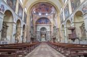 PADUA, ITALY - SEPTEMBER 9, 2014: The nave of church Basilica del Carmine. — Stock Photo