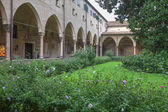 PADUA, ITALY - SEPTEMBER 10, 2014: The atrium of Basilica del Santo or Basilica of Saint Anthony of Padova. — Stock Photo