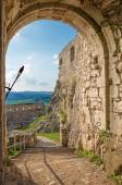 Spissky castle - Look across the gate to middle castle courtyard — Stock Photo