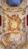 PADUA, ITALY - SEPTEMBER 8, 2014: Fresco on the ceiling of presbytery of Basilica di Santa Giustina by Sebastiano Ricci (1700). The central motive is the Adoration of angels for the Eucharist. — Stock Photo