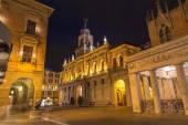 PADUA, ITALY - SEPTEMBER 10, 2014: The Caffe Pedrocchi and Palazzo del Podesta at night. — Stockfoto