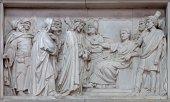 MECHELEN, BELGIUM - JUNE 14, 2014: Stone relief Jesus from Pilate in church Our Lady across de Dyle. — Stock fotografie