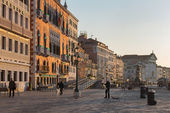 VENICE, ITALY - MARCH 12, 2014: The Waterfront in morning. — Stockfoto