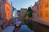 Bruges - Look to canal form bridge on the Blinge Ezelstraat at dusk — Stock Photo