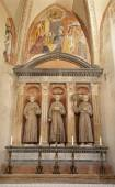 VERONA - JANUARY 27: Altar of Medici chapel with the frescos by Domenico Morone (1498) and statues of franciscans saints in San Bernardino church on January 27, 2013 in Verona, Italy. — Stock Photo
