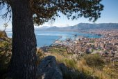 Palermo - outlook over city and harbor form Mount Pelegrino — Stock Photo