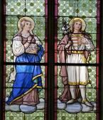 Banska Stiavnica - windowpane from st. Katharine church - hola Hungarian queen and king — Stock Photo