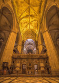 SEVILLE, SPAIN - OCTOBER 27, 2014: Indoor of Cathedral de Santa Maria de la Sede. — Photo