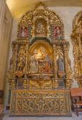 SEVILLE, SPAIN - OCTOBER 28, 2014: The side altar withe the st. Ann child Mary — Stock Photo
