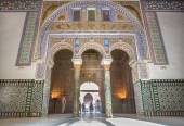 SEVILLE, SPAIN - OCTOBER 28, 2014: The portal of Hall of Ambassadors in Alcazar of Seville. — Stock Photo