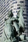 Paris - statue La Defense — Stock Photo