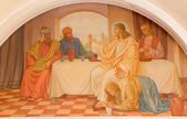VIENNA, AUSTRIA - DECEMBER 17, 2014:  The Mary Magdalen wash the feet of Jesus scene by Josef Kastner the older from 20. cent. in Erloserkirche church. — Stock Photo