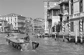 Veneza, itália - 13 de março de 2014: canal grande. — Fotografia Stock