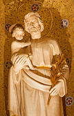 PALERMO - APRIL 8: Statue of Joseph with child from church Convento Dei Carmelitani Scalzi on April 8, 2013 in Palermo, Italy. — Stock Photo