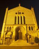 VERONA - JANUARY 28: Nightly portal of San Fermo Maggiore church on January 28, 2013 in Verona, Italy. — Stock Photo
