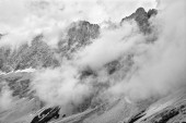 The south face of Dachstein massif in clouds - Austria — Stock Photo
