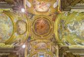 ROME, ITALY - MARCH 25, 2015: The fresco on ceiling and cupola of church Chiesa del Jesu by Giovani Battista Gaulli (nickname Baciccio 1639 - 1709). — Stock Photo