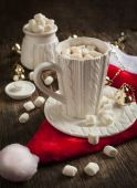 Mug filled with hot chocolate and marshmallows — Stock Photo